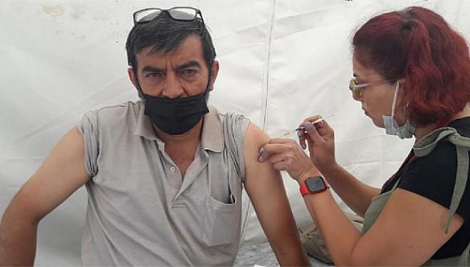 Van'da aşı çadırına ilgi büyük!