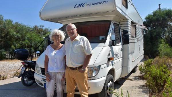 Alman çift karavanla Van dahil birçok ili gezdi