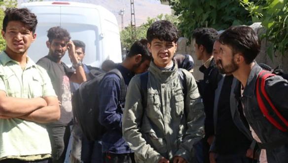 Van'da insan kaçakçıları mültecileri dolandırıldı