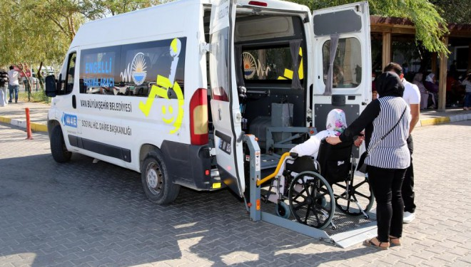 Van Büyükşehir engelli taşıma aracı ile engel tanımıyor