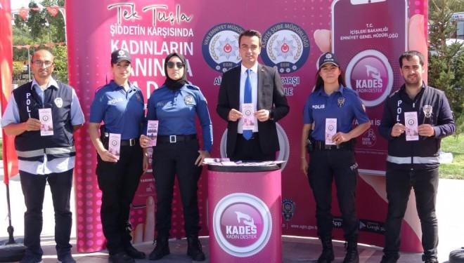 Van polisi, kadınlara KADES uygulamasını tanıttı