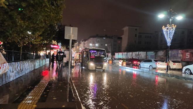 Van'da sağanak yağış etkili oldu!
