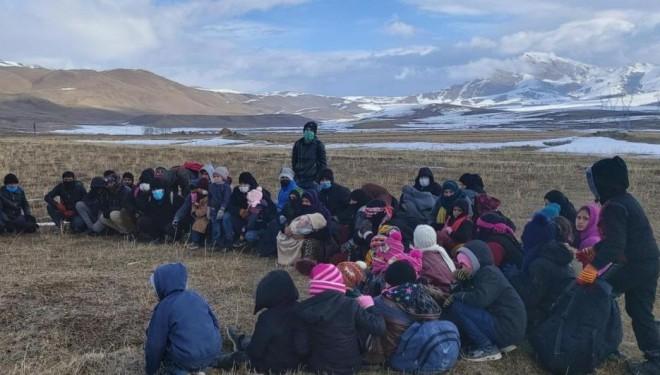 İran'a geçmek isteyen 59 düzensiz göçmen yakalandı