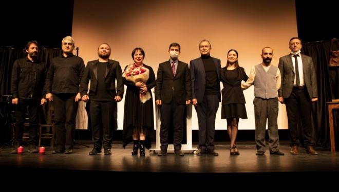 """İpekyolu Belediyesi tarafından """"Âkif Olmak"""" isimli oyun sahnelendi"""