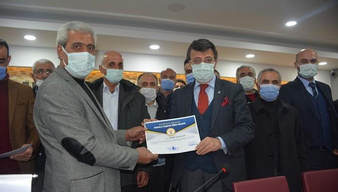 AK Parti İpekyolu Mahalle Başkanlarına Sertifikaları Verildi