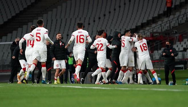 Türkiye 4-2 Hollanda (2022 Dünya Kupası Elemeleri)