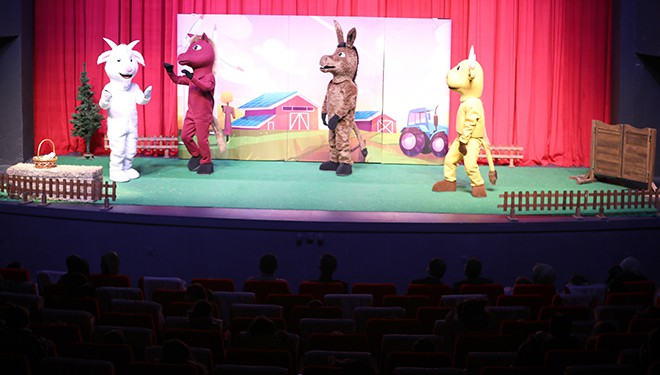 """İpekyolu Belediyesinden """"Vohoo ve Arkadaşları"""" isimli oyun sahnelendi"""
