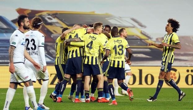 Emre Belözoğlu ilk maçında kazandı!