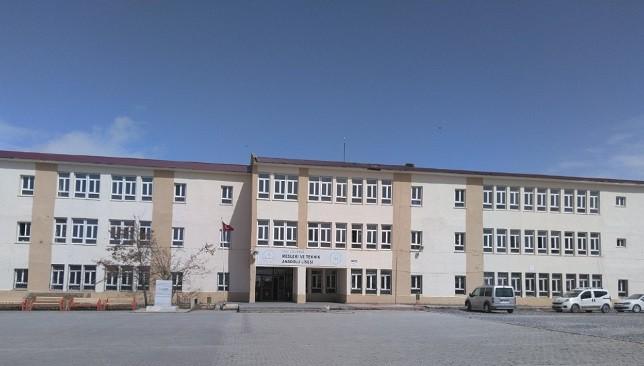 Çaldıran'a yeni bir Anadolu Lisesi kazandırıldı