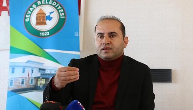 Gevaş Belediye Başkanı Murat Sezer: Saat 300 Bin TL değil 500 liraydı!