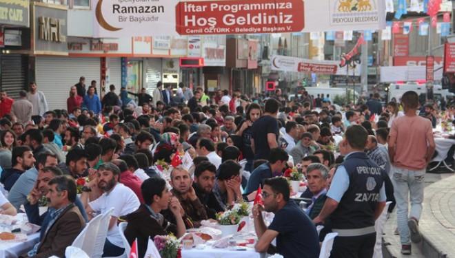 Ramazan'la birlikte başlayacak kısıtlamalar esnafı düşündürüyor