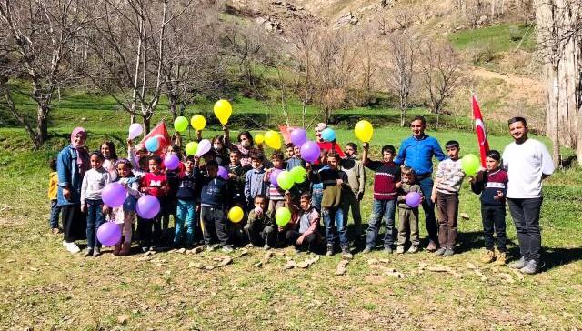 Muhtardan öğrenciler için 23 Nisan etkinliği