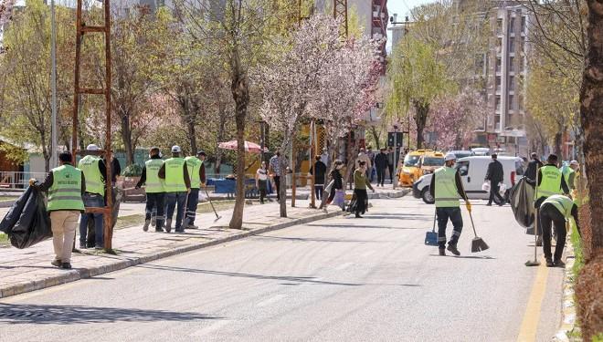 İpekyolu Belediyesi temizlik çalışmalarını sürdürüyor