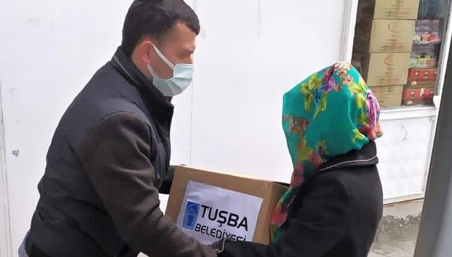 Tuşba Belediyesinden ihtiyaç sahibi ailelere gıda yardımı