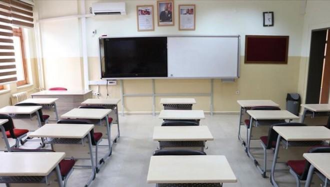 Gazeteci Zeyrek: Okullar bu dönemi uzaktan eğitimle kapatacak
