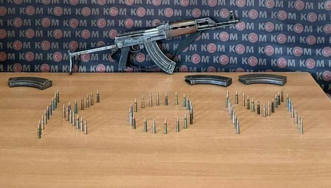 Başkale'de silah ve mühimmat ele geçirildi