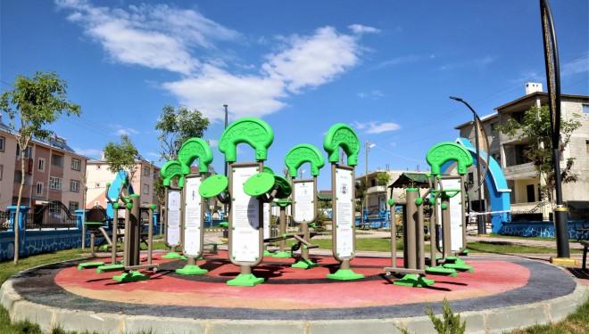 Tuşba Belediyesi bir mahalleyi daha parka kavuşturuyor