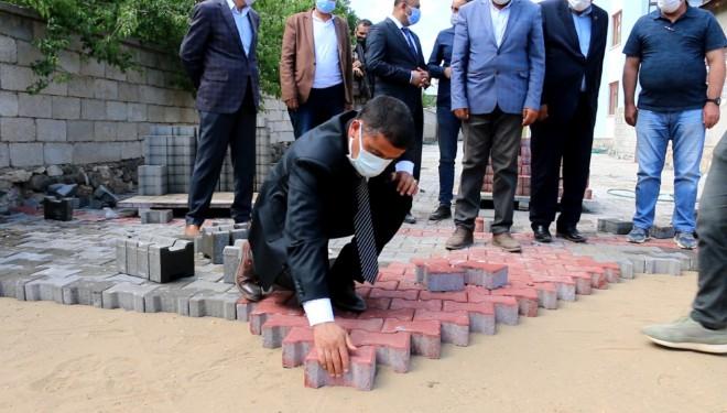 Erciş Belediyesi Kilitli Parke Taşı Çalışmalarının Startını Verdi!