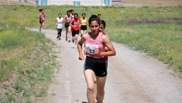 İshak Paşa Sarayı'nda, Dağ Koşuları Türkiye Şampiyonası düzenlendi