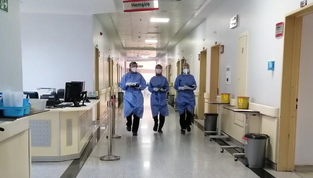 Türkiye'de son 24 saatte 6 bin 169 koronavirüs vakası tespit edildi