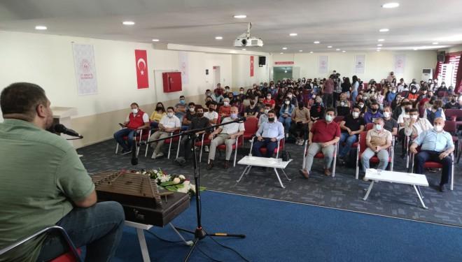 Sanatçı Sedat Anar gençlerle buluştu