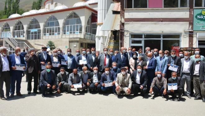 AK Parti'den mahalle başkanlarına sertifika