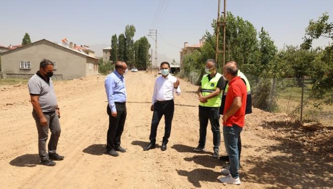 İpekyolu Belediyesi yeni yollar açmaya devam ediyor