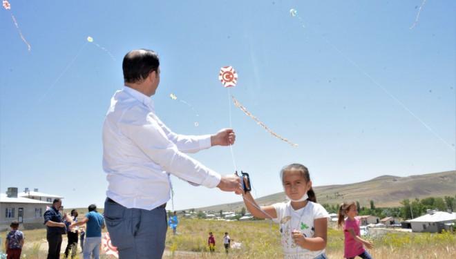 Tuşba Belediyesinden çocuklar için uçurtma şenliği