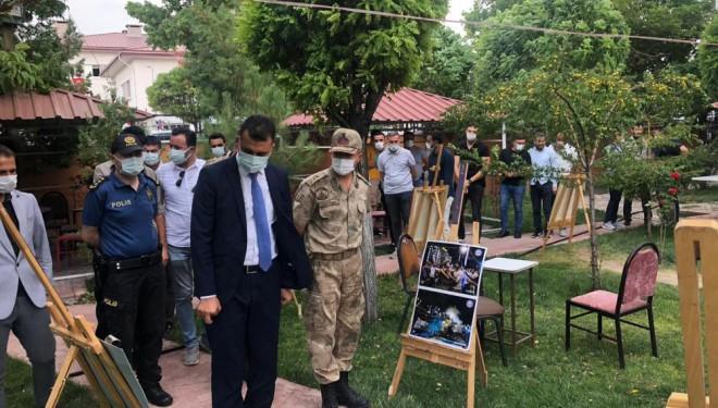 Muradiye'de 15 Temmuz Demokrasi Şehitleri Anma Günü resim sergisi açıldı