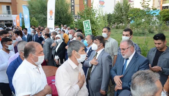 AK Parti Van İl Başkanlığı'nda Teşkilat Bayramlaşması Gerçekleşti