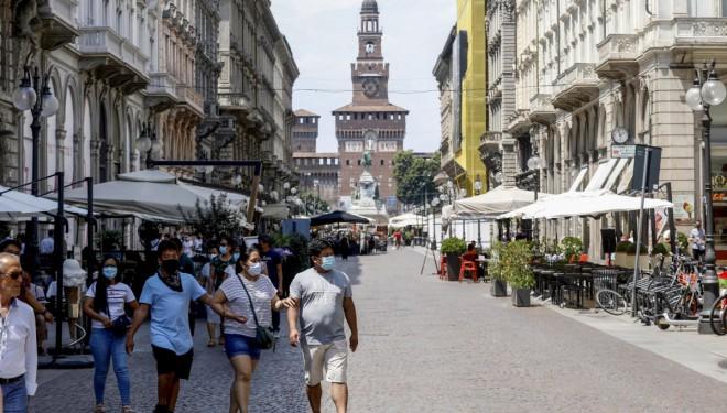 İtalya'da son 24 saatte 4 bin 743 yeni vaka