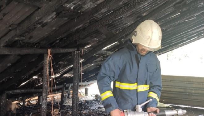 Çatak'ta çatı yangını!