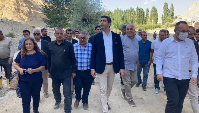 Kartal Belediye Başkanı Yüksel ve İBB heyetinden Van'daki sel mağdurlarına ziyaret