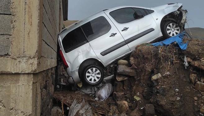 HÜDA PAR Muradiye İlçe Teşkilatından Sel Mağdurlarına Ziyaret