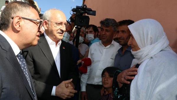 Kılıçdaroğlu, Van'da selden zarar gören vatandaşlara söz verdi