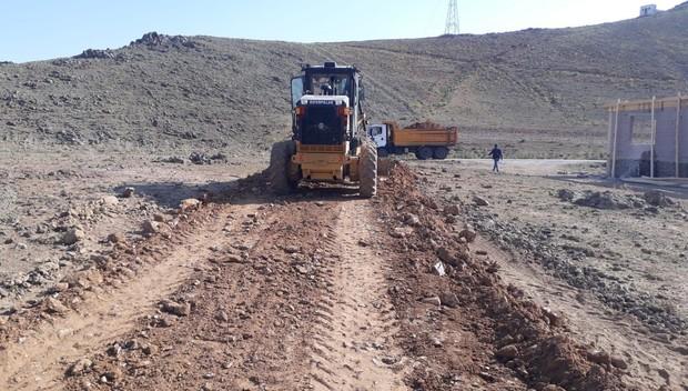 Çaldıran Belediyesi stabilize yol çalışmalarını aralıksız sürdürüyor