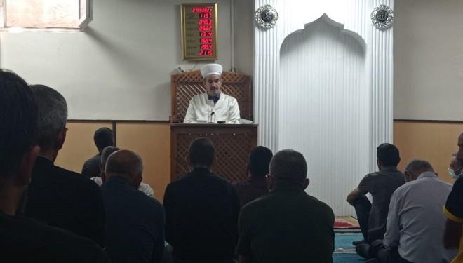 Hakkari'de imam, evlilik ve düğünlerdeki israfa karşı uyardı!