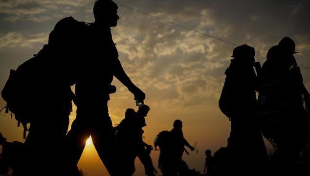 Muradiye'de 10 düzensiz göçmen yakalandı