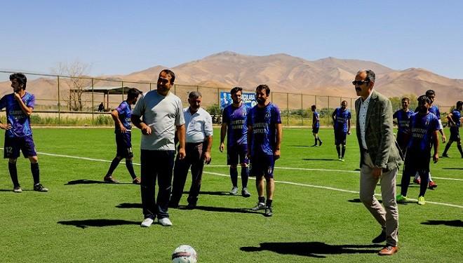 Gürpınar Belediyesinden mahalleler arası futbol turnuvası