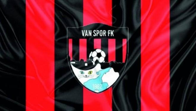 Vanspor FK taraftarlarına Başkan İzsiz'den müjdeli haber!