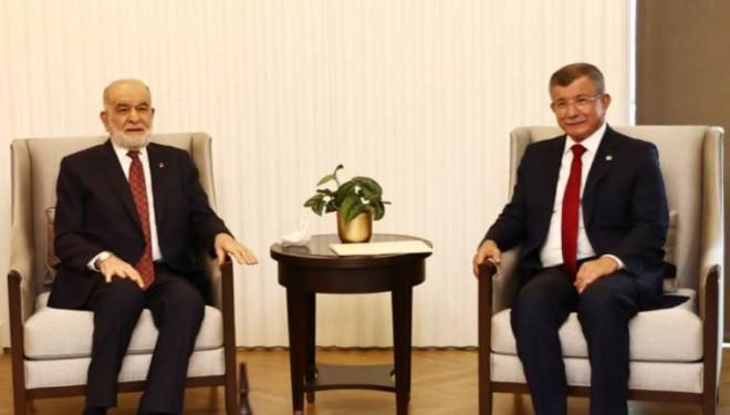 Davutoğlu ve Karamollaoğlu'ndan Cumhurbaşkanı adaylığı ve erken seçim açıklaması