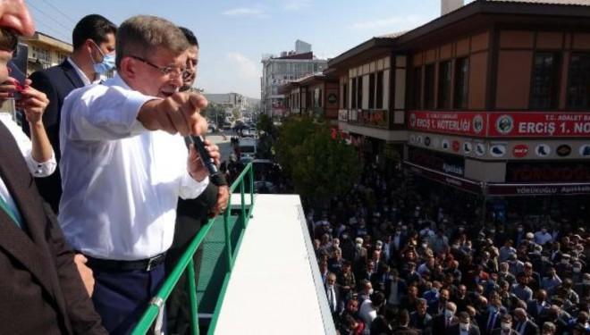 Ahmet Davutoğlu Erciş'te