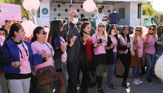 Meme kanserine dikkat çekmek için farkındalık yürüyüşü düzenlendi