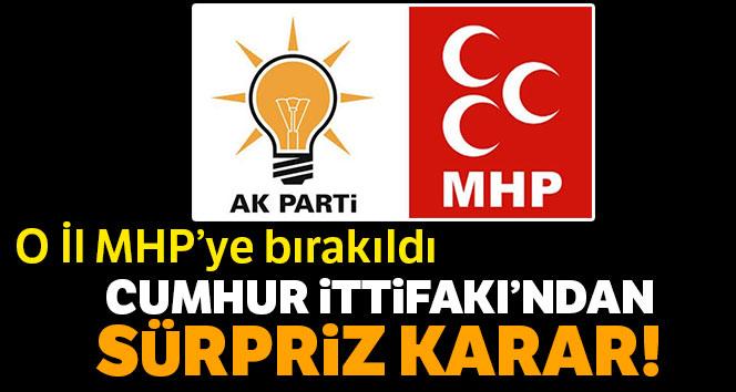 AK Parti Kars'ta adayını çekti