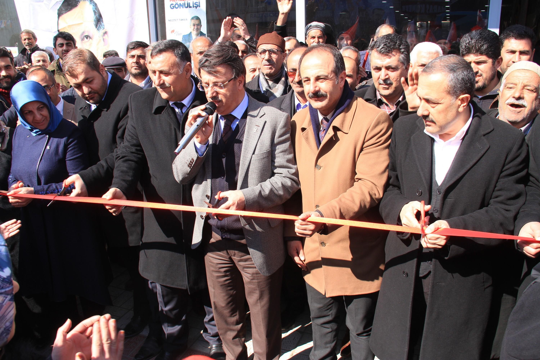 AK Parti'den seçim bürosu açılışı