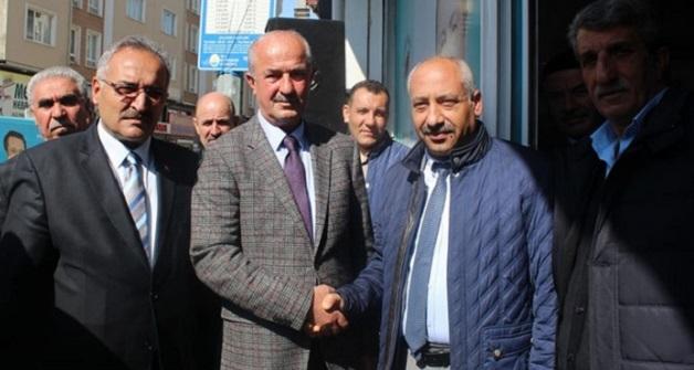 MHP'li Güngöralp'ten Tuşba Belediye Başkan Adayı Akman'a ziyaret