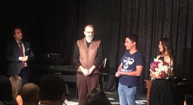 Ahmed Arif Leylim Leylim tiyatro gösterisine büyük ilgi