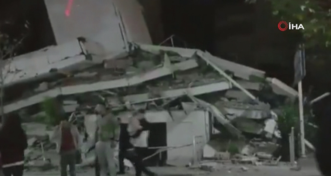 Arnavutluk'ta 6.4 ve 5.4 büyüklüğünde peş peşe deprem