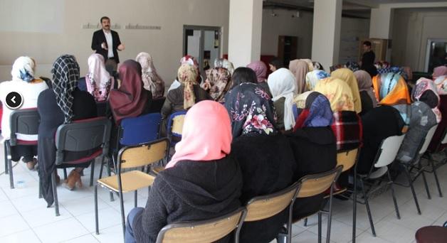 Muradiye'de Kadına Yönelik Şiddetle Mücadele Eğitimi semineri