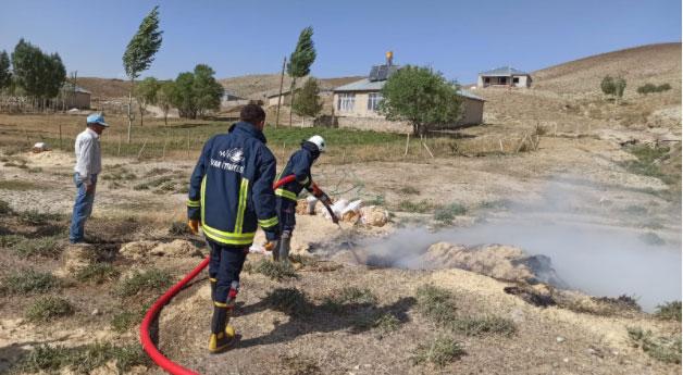 Saray'da samanlık yangını